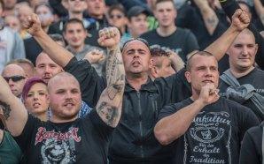 """""""Hooligans"""" del West Ham alentarán al Chicharito"""