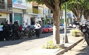 LADRÓN ES DETENIDO POR COMERCIANTES DE AVENIDA DEL TRABAJO