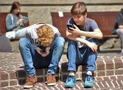 El 44% de usuarios de smartphones no puede dejar de…