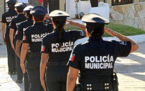 Policías se manifiestan por retraso de entrega de apoyo económico