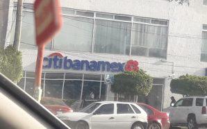 ASALTAN SUCURSAL BANAMEX DE AVENIDA FAJA DE ORO
