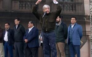 López Obrador anuncia que desaparecerá la evaluación a los maestros