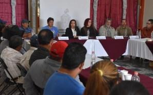 SE REÚNE ALCALDESA, BEATRIZ HERNÁNDEZ CON HABITANTES DE COMUNIDADES