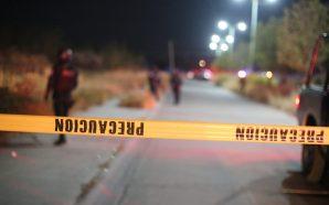 ENFRENTAMIENTO ENTRE POLICÍAS ESTATALES Y HOMBRES CIVILES ARMADOS DEJA UN…