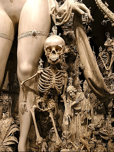 """Kris Kuksi, """"Triumph"""", 2012, particolare"""