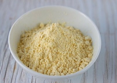 gram-flour-upper-lip-hair-removal-lifestylica