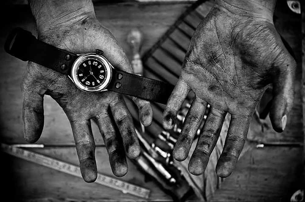 Handmade Leather Goods Makers Hands