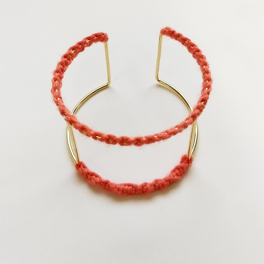 Wool necklace bracelet design