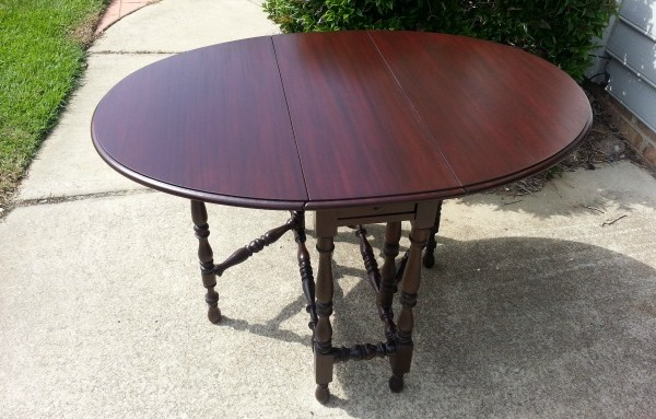 How much does it cost to refinish a dining table? | Salpeck\'s