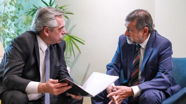 Fernández Fuente: Alberto Fernández oficial.