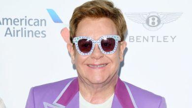"""Photo of Elton John confiesa que la cocaína lo convirtió en un """"monstruo»"""