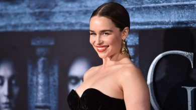 """Photo of Emilia Clarke se emocionó hasta las lágrimas tras conocer a su """"héroe"""" Barack Obama"""