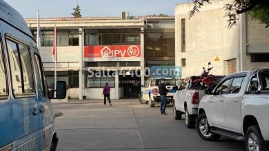 Photo of 160 familias le reclaman al IPV y al Gobierno de Salta que les entreguen sus viviendas
