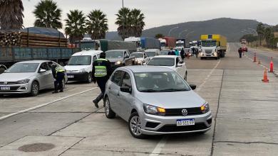 """Photo of Salteños  recién llegados de Buenos Aires intentan ingresar a Salta y denuncian """"estafas"""""""