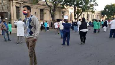Photo of Fuerte reclamo: profesionales de la Salud exigen «que cesen los actos de violencia»