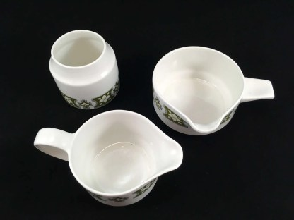 Lovely set of Midwinter tableware