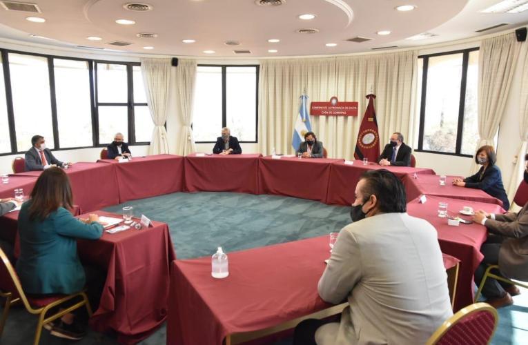 LEGISLADORES DEL FDT en reunión con el Gobernador de Salta