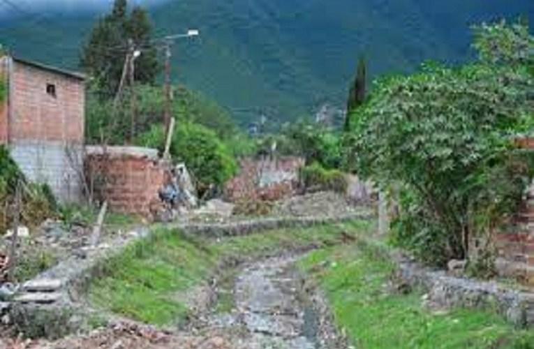 Hallaron el cadáver de un hombre en el canal Tinkunaku y suponen que era el anciano buscado por sus familiares EL HOMBRE PADECÍA ALZHEIMER Y SE HABÍA IDO DE SU HOGAR SIN QUE NADIE SE PERCATARA DE ELLO.-.