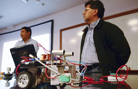 Lanzan nuevos talleres para jóvenes sobre robótica y autos solares