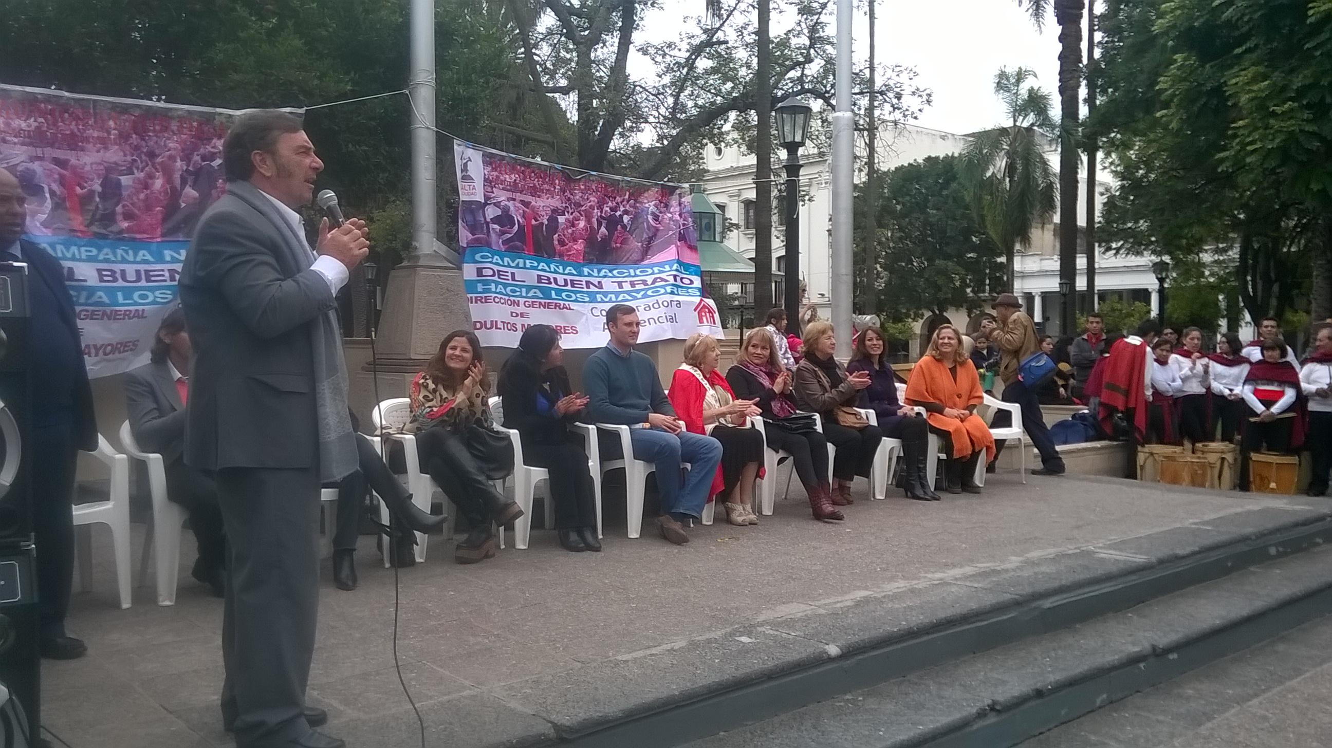 Pusieron en marcha la campaña del Buen trato al Adulto Mayor