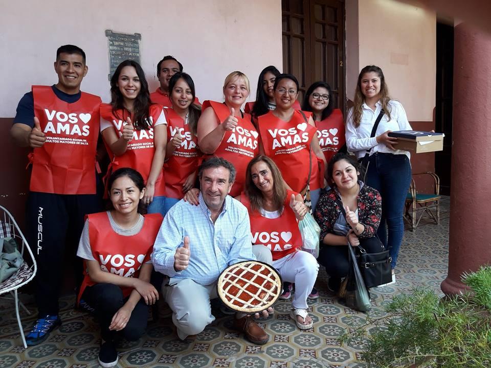 """Voluntarios visitan a adultos mayores para poner en marcha la campaña """"Soledad Cero"""""""
