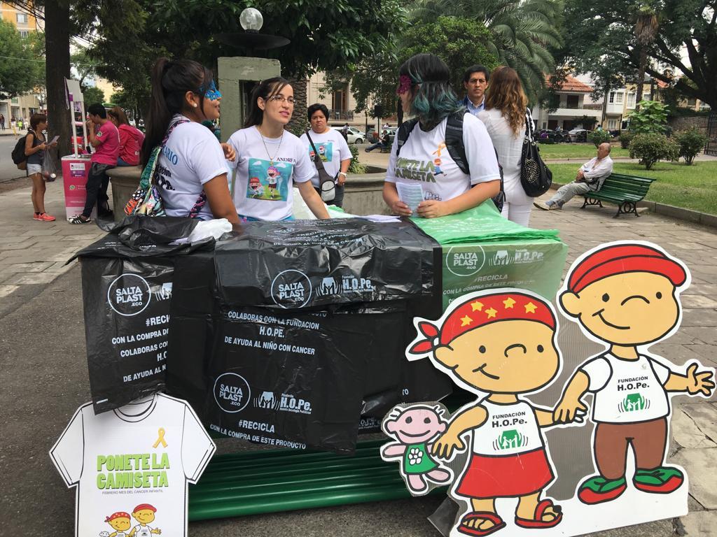 Instituto de Salta es la primera empresa en adquirir bolsas a beneficio de fundación H.O.Pe