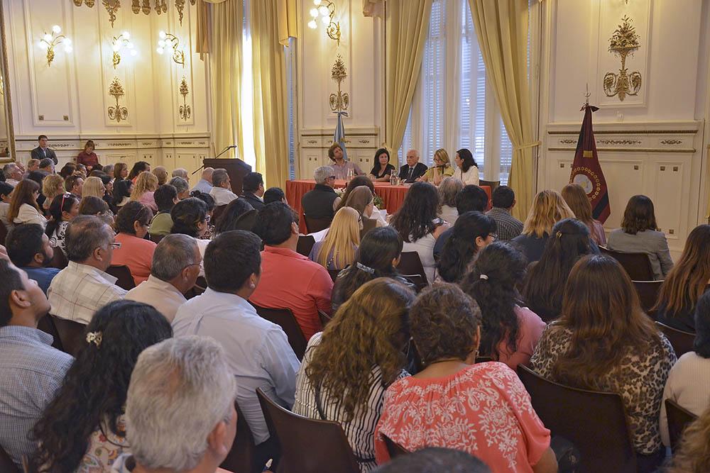 Distintas organizaciones sociales comunitarias se capacitaron para fortalecer su trabajo social