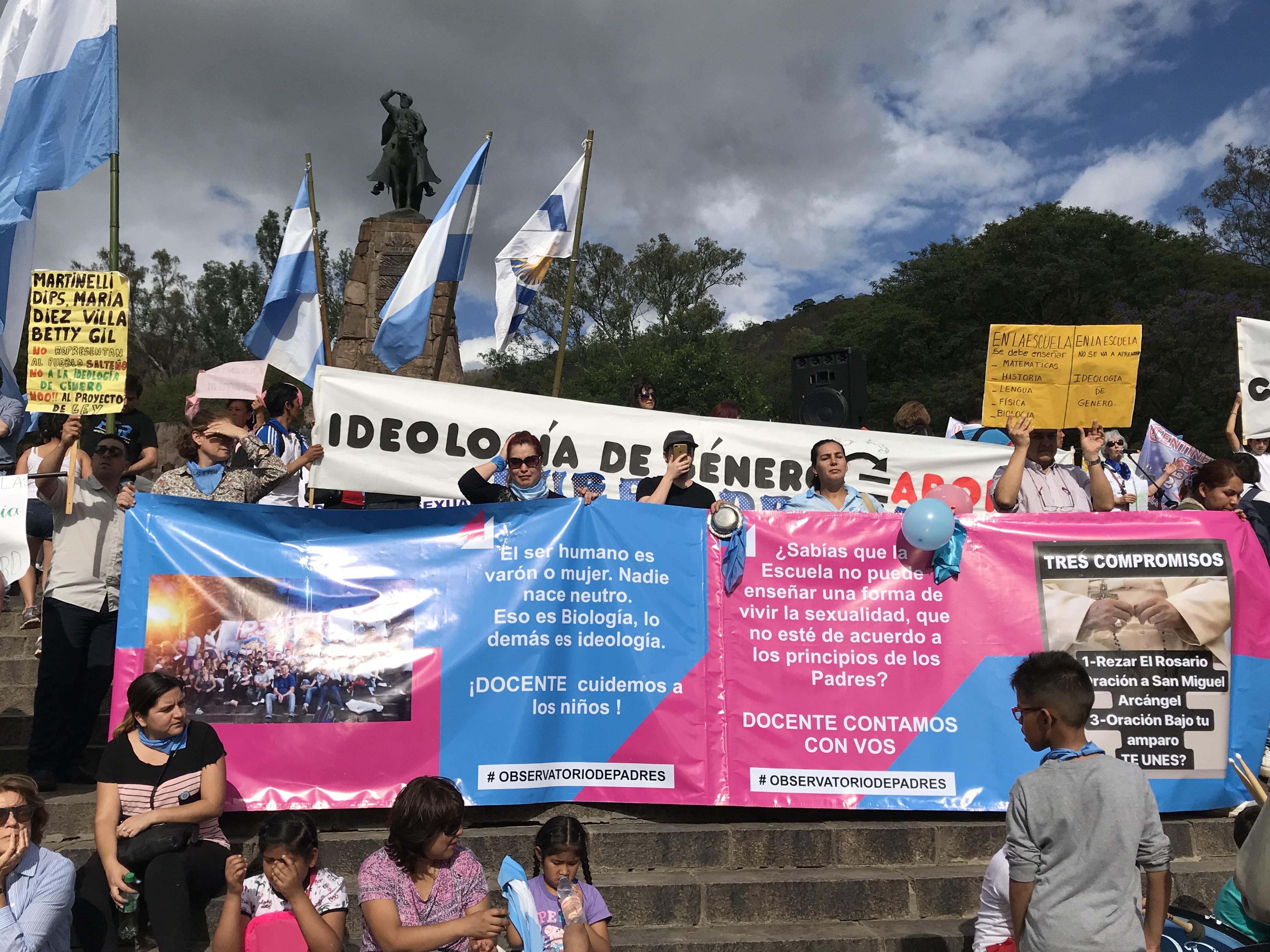 #ConMisHijosNoTeMetas: 5 mil salteños marcharon en contra del ESI