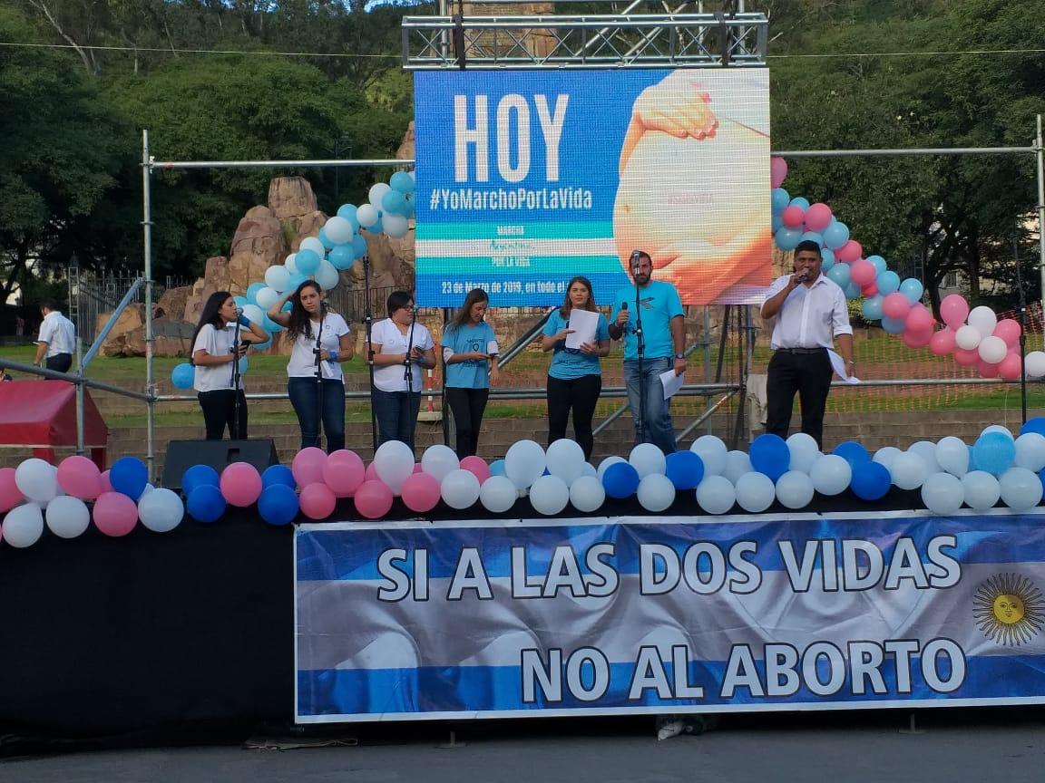 Más de 5 mil salteños marcharon a favor de los derechos del niño por nacer