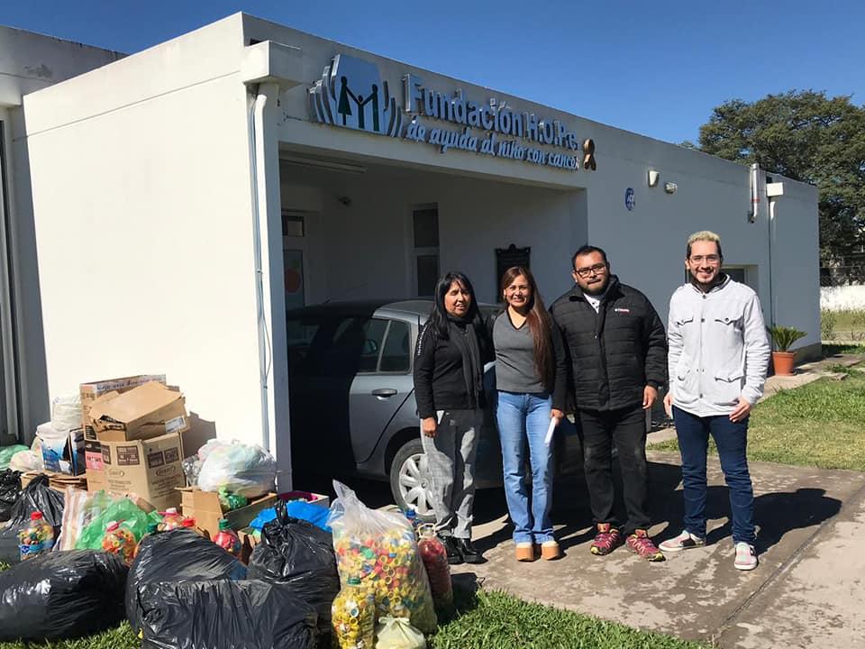 Voluntarios de Urundel y Colonia Santa Rosa entregaron tapitas a la Fundación HOPe