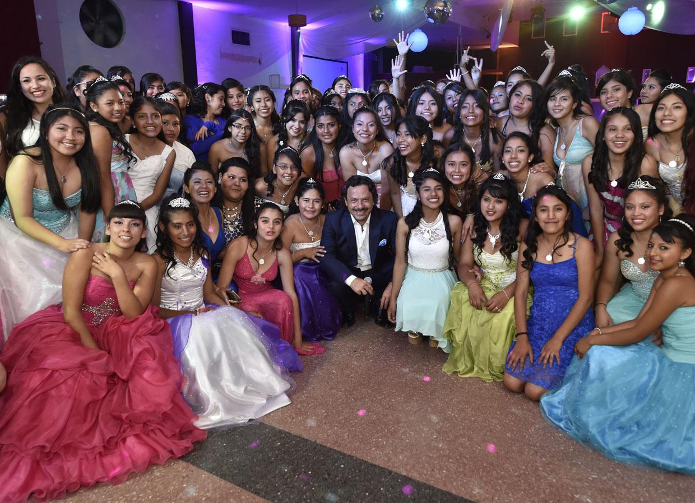 El 21 de noviembre 100 jovencitas festejarán su cumpleaños de 15 años