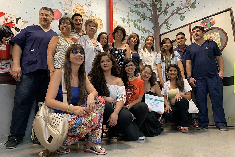 Voluntarios inauguraron el mural en el sector de Oncología del hospital Materno Infantil