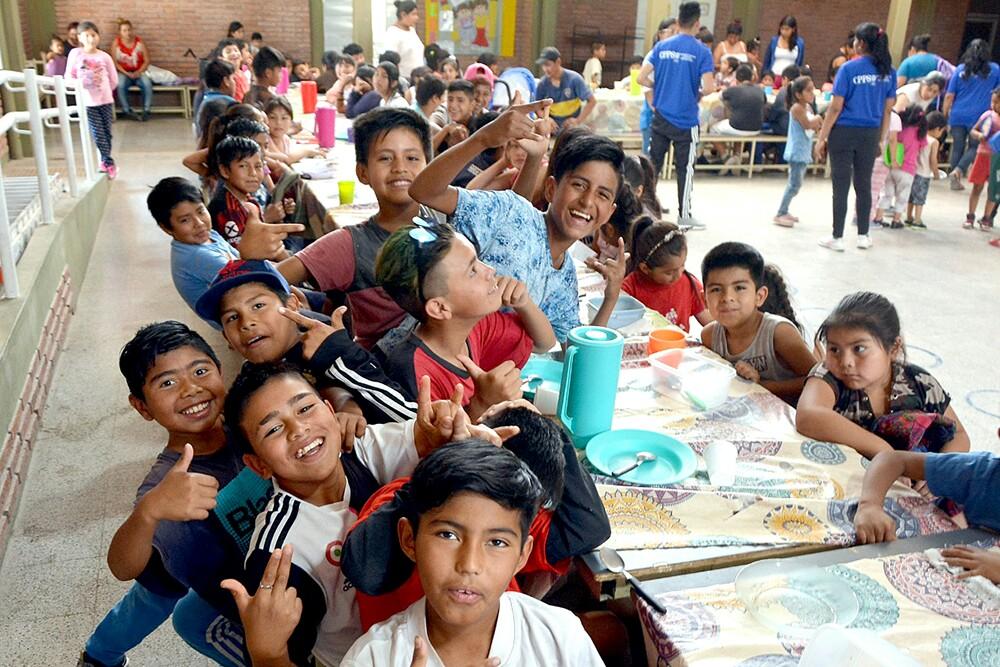 Niños y jóvenes salteños contarán con contención alimentaria y educativa durante el verano