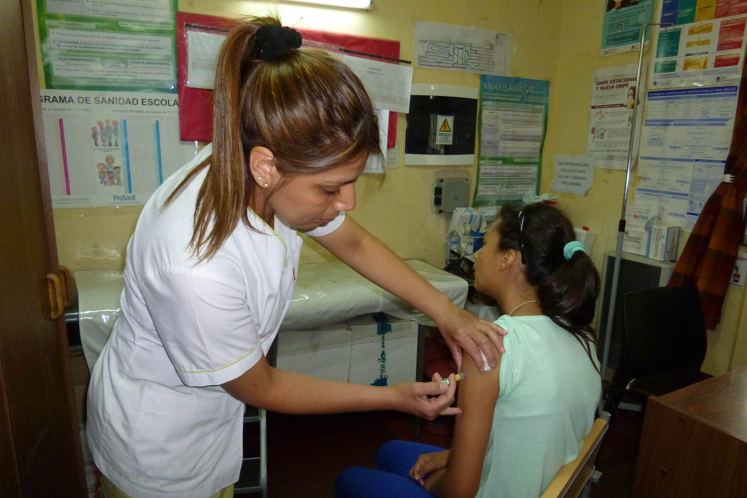 Destacan el compromiso y la vocación de servicio de los enfermeros salteños
