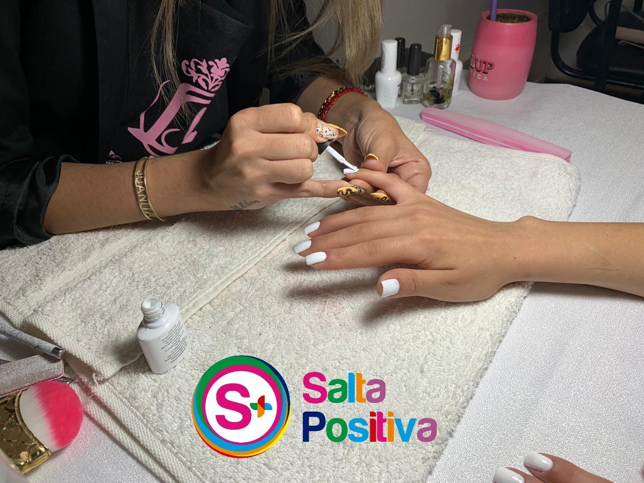"""Un total de 20 mujeres embellecieron sus manos con el """"Beauty Nails Solidario"""""""