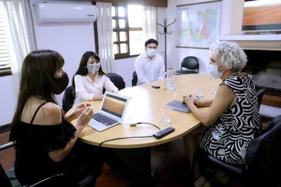 El Gobierno y el Poder Judicial lanzan una campaña para concientizar sobre adopción