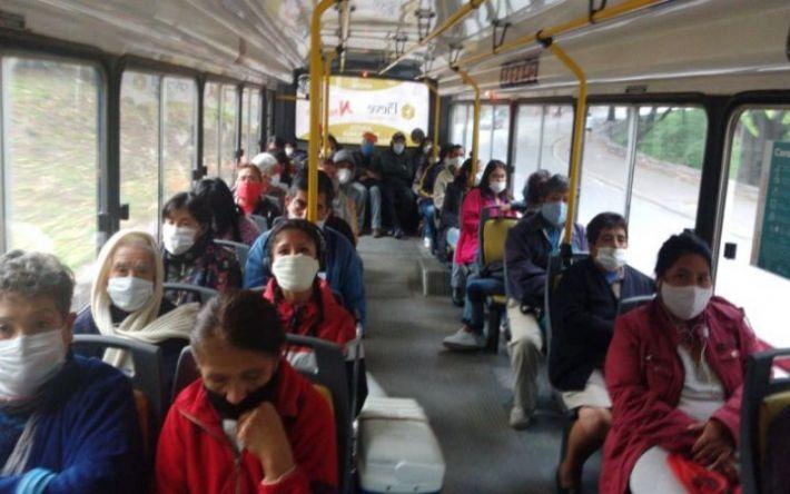 El servicio de transporte funciona con normalidad para menores de edad, jubilados y pensionados
