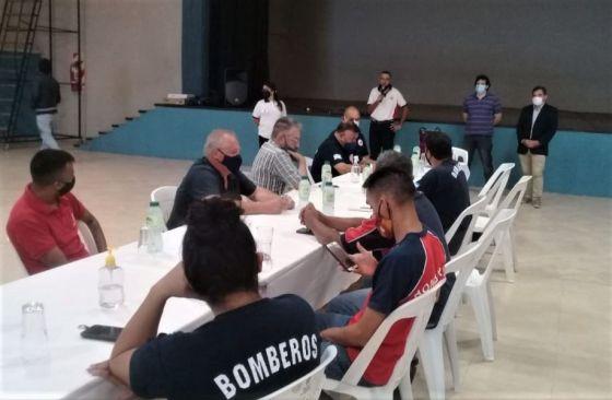 Defensa Civil intensifica el trabajo operativo con regionales de Bomberos Voluntarios en la provincia
