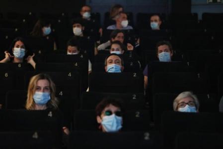 El COE habilitó la apertura de cines en Salta