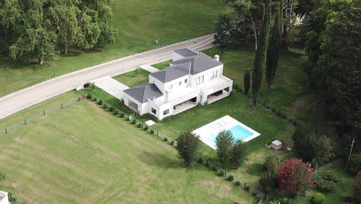 Espectacular casa en Finca La Montaña (Villa San Lorenzo)