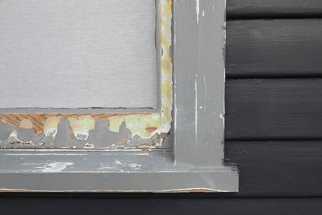 Painting dark weatherboards - progress | Saltbush Avenue