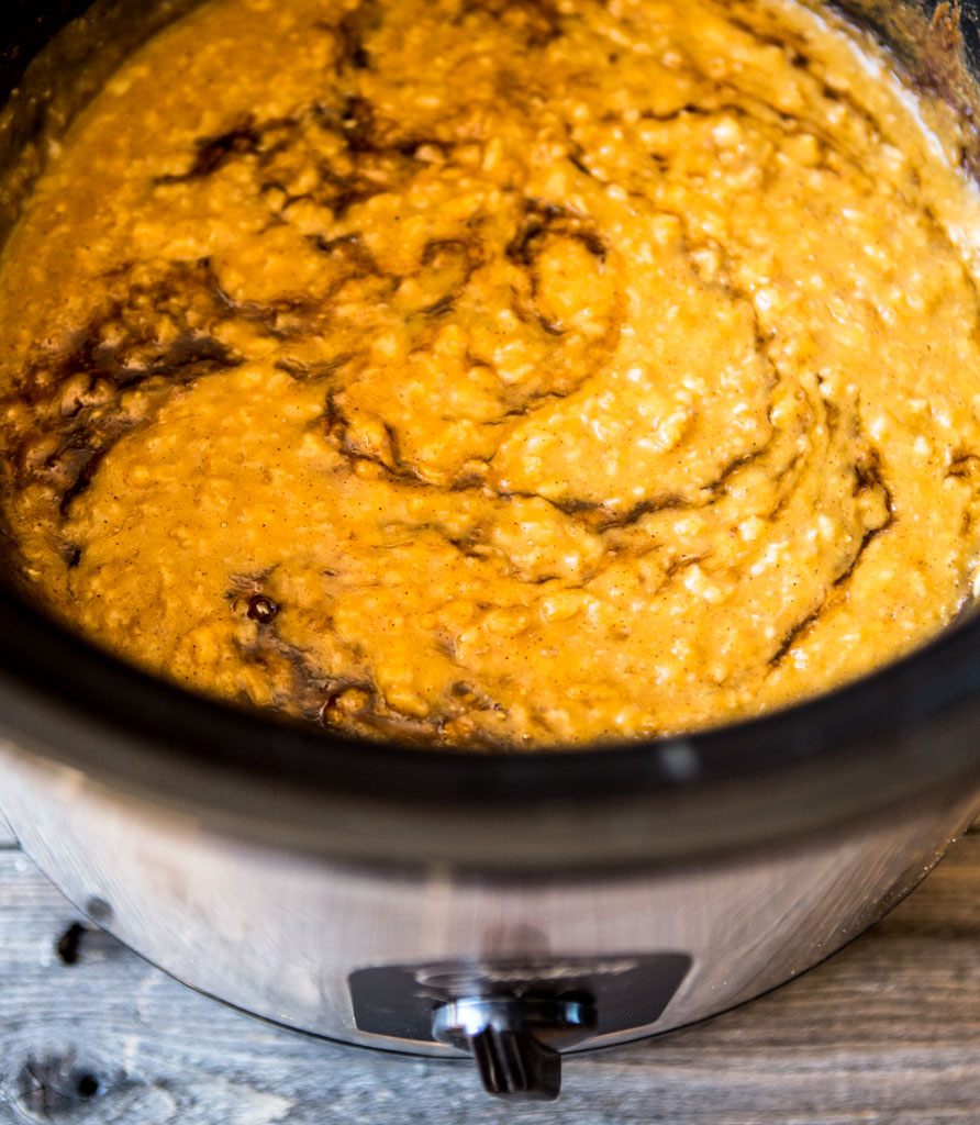 Slow Cooker Pumpkin Spice Oatmeal - get creamy smooth oatmeal overnight.
