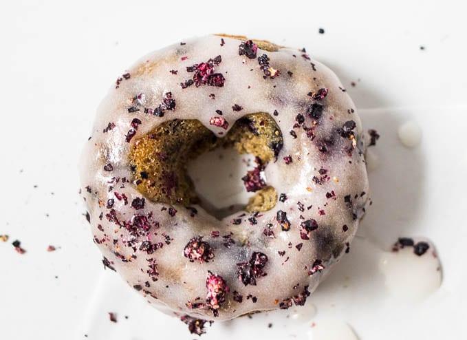 Blueberry Cinnamon Cake Donuts #glutenfree | saltedplains.com
