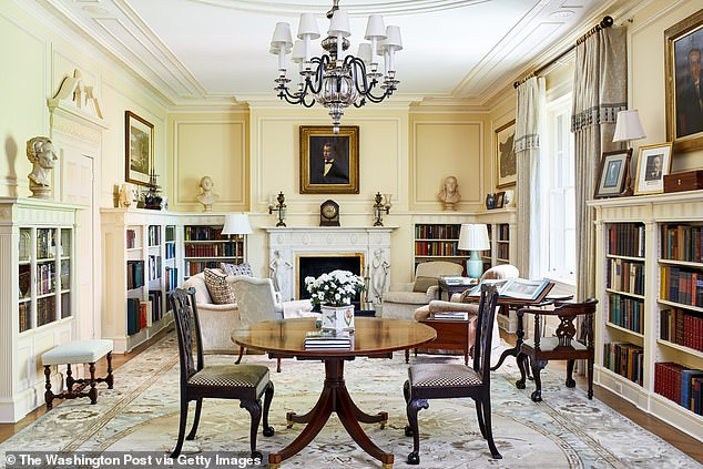 There are more than 100 rooms, which are used to house official guests of the president, like visiting foreign dignitaries