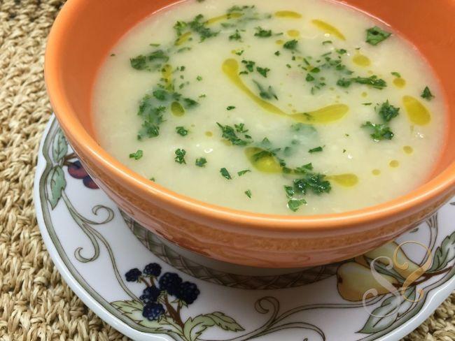Sopa de inhame com salsinha…
