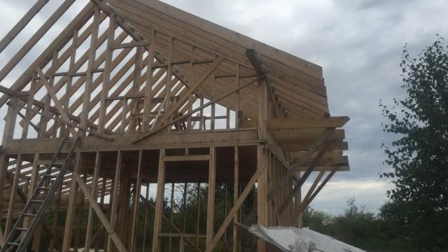 Pradedami stogo darbai
