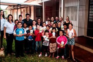 PASCOA-3-300x199 PÁSCOA: Administração Municipal entrega doces aos alunos da rede municipal de ensino