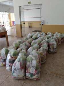kit-1-225x300 Alunos recebem kit alimentação escolar