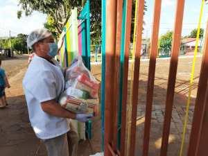 kit-4-300x225 Alunos recebem kit alimentação escolar