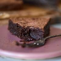Kladdkaka med mörk choklad - perfekt kladdig!
